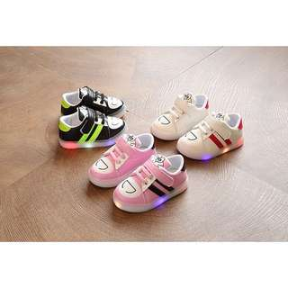 👟KIDS LED FLASH LIGHT SPORTS SHOES BOYS GIRLS PLATE SHOES👟