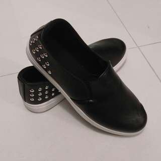 全新黑色女裝平底鞋