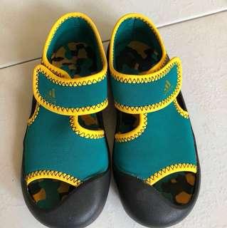 Preloved adidas toddler kid shoes - size 9K