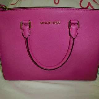 Michael Kors Big Selma Bag in HotPink