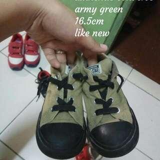 Mid cut Chuck Taylor army green