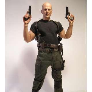 "Bruce Willis G.I. Joe ""Colton"" Hot Toys STGCC ""Exclusive"" Unopened. Brand New."
