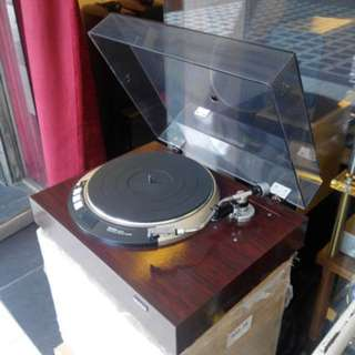 Denon DP-55K Turntable with Linn LV V tonearm and Shure M97xE Cartridge