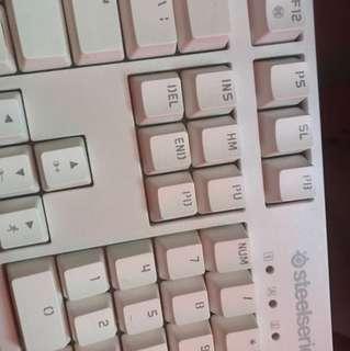 selling steelseries keyboard