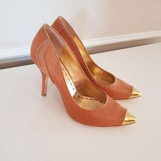 Mimco Tan Leather and Gold Heels sz 41 10