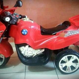 Motor Mainan
