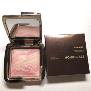 Hourglass Ambient Lighting Blush Luminous Flush