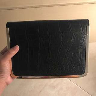 clutch hitam kulit fladeo