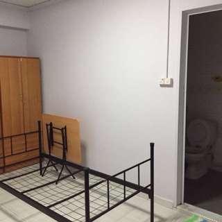 Master bedroom for rent in Woodlands/ Admiralty