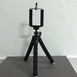 Flexible and Portable Tripod stand