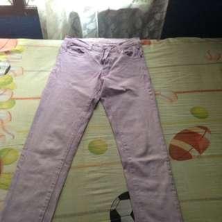 Celana jeans pastel ungu