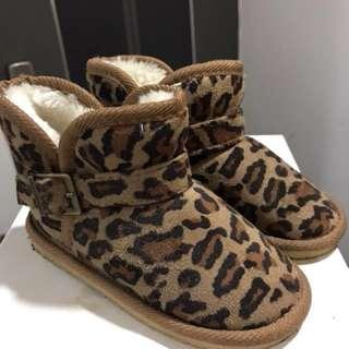 女孩兒雪靴