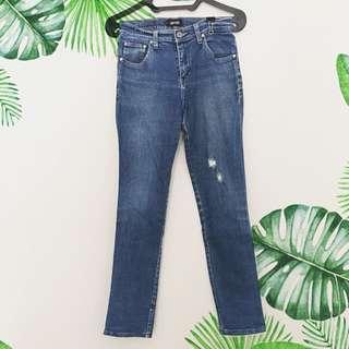 Mobile power blue jeans