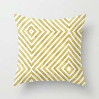 Gold Geometric Pattern Throw Pillow Cushion Cover