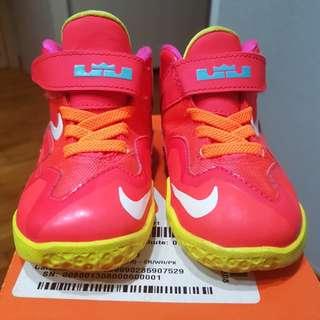 Nike Lebron XI size 6C Original toddler shoes used