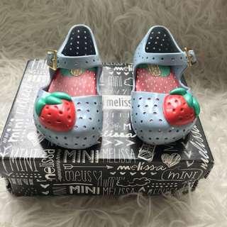 mini melissa strawberry sz 6
