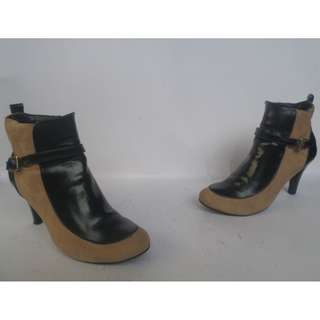 Duras Heeled Ankle Boots