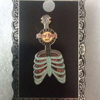 Hard Rock Cafe Pins - CHICAGO HOT & RARE 2013 HEART & LUNG GUITAR PIN!