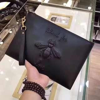 Gucci  🐝 Luxury Clutch  ( Black )