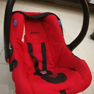 Halford carrier+carseat+bouncer