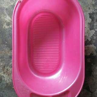 Baby Bath Tub / Baby Shower / Baby Shower Pail / Small Bath Tub / Bathtub