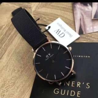 DW 32mm 黑鋼金圈手錶 (全新)