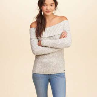 Hollister sweater size m
