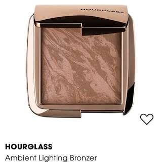 Hourglass luminous light bronzer