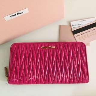 Miu Miu 5ML506 Matelasse Lux Wallet-Fuxia