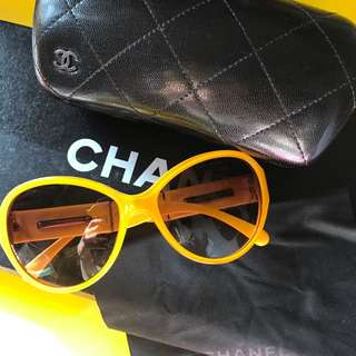 Chanel sunglasses with box