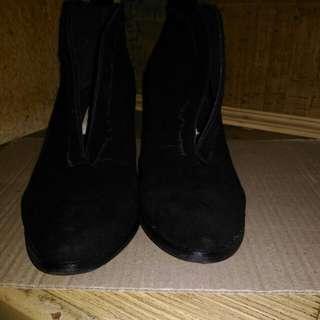 黑色麂皮裸靴 露腳踝時尚鞋