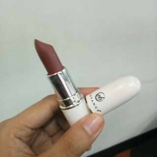 EB Advance Matte Lipstick in Dusky Rose