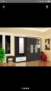 Lemari Pakaian 3 Pintu dan Meja Rias