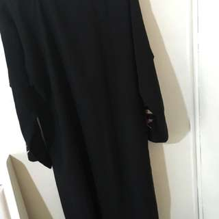 Black Patterned Abaya