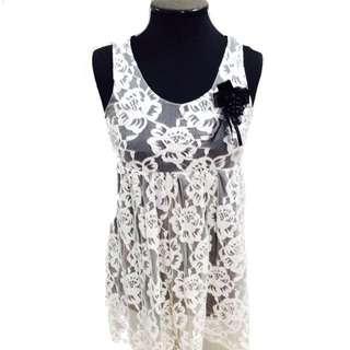 New:White lace dress