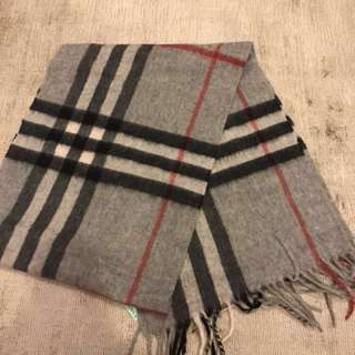 Burberry classic tartan scarf