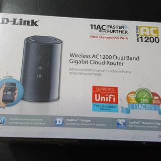 BNIB Dlink Router Wireless AC1200 Dual band Gigabyte Cloud Router