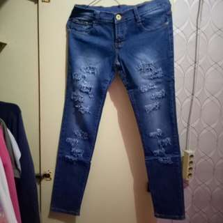 Ripped Jeans (small)