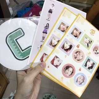 Twice Cheerup淨cd 歌詞掛牌& knock knock 貼紙