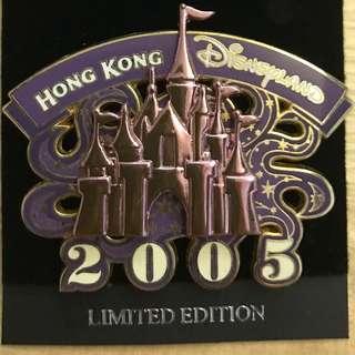 絕版香港廸士尼2005限量紀念襟章(城堡)