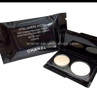 Chanel Vitalumiere Hydra Compact Powder