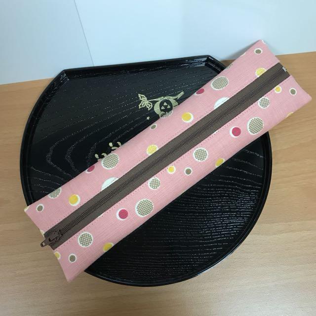 沛軒手作坊~(厚棉布)手作拉鍊式環保餐具袋或筷套,也可當筆袋,多用途收納袋(長型),(尺寸長26cm*寬7cm)不含餐具