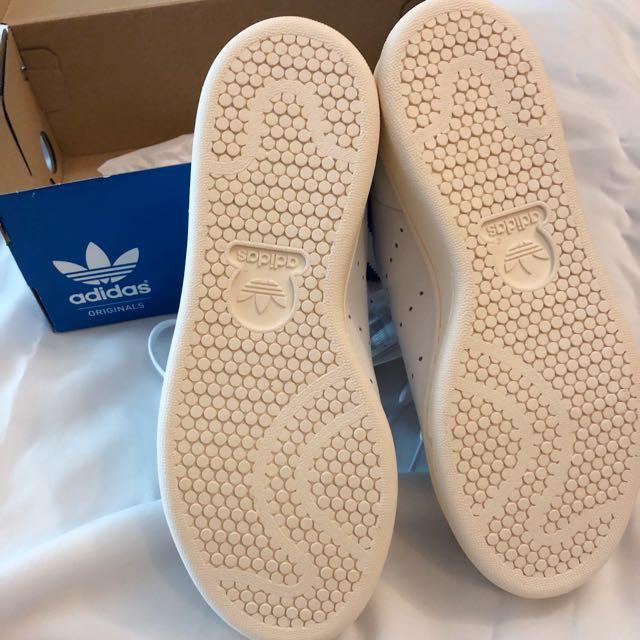 Adidas Stan Smith UK4 100% Authentic