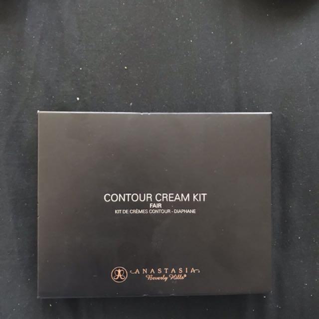 Anastasia Beverly Hills Cream Contour