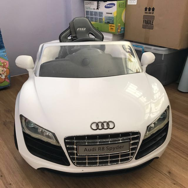 Audi R8 Spyder Ride On Vehicle