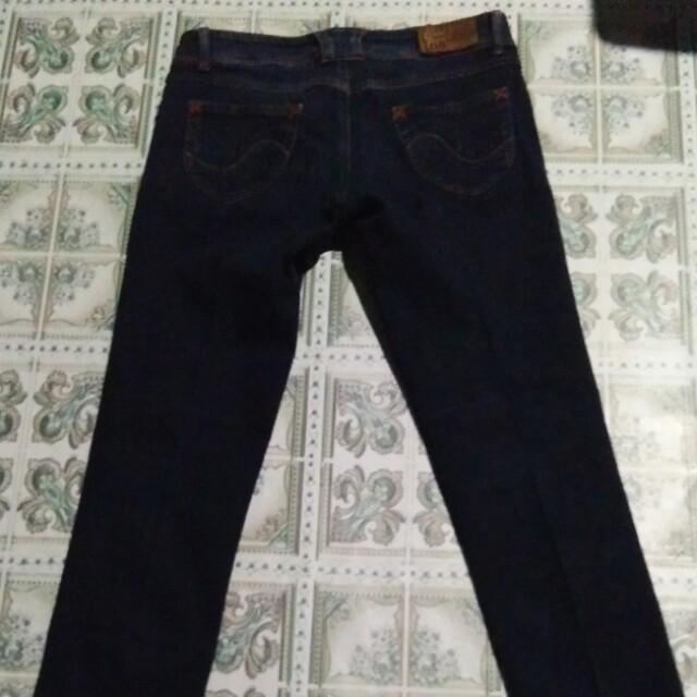Authentic lee jeans
