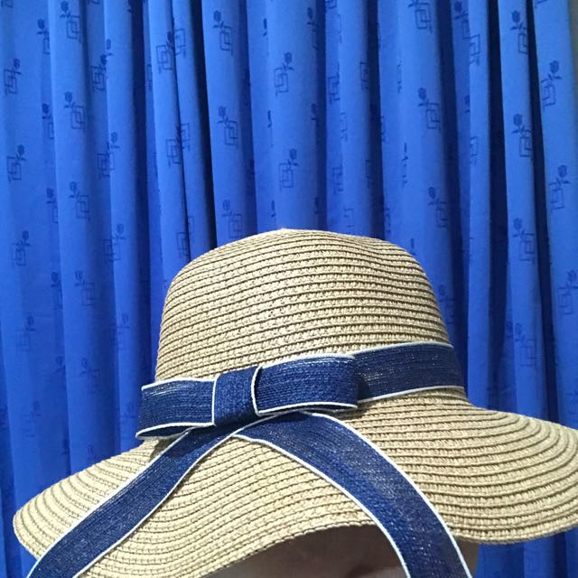 BEACH HATS ( TOPI PANTAI )