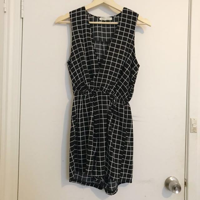 Black play suit size S/8