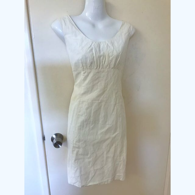 BNWT Cue white cross over back fitted dress with metal