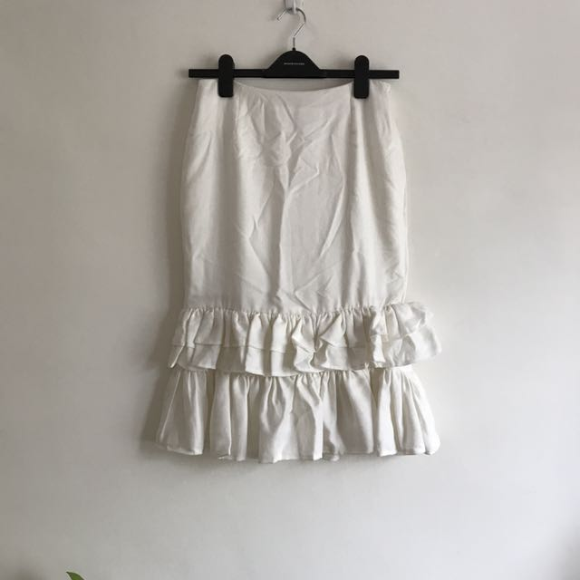BNWT Korean White Ruffles Skirt